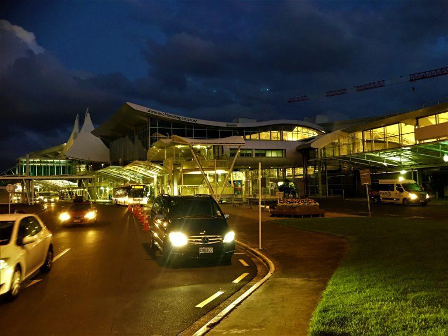 shuttlebus auckland airport